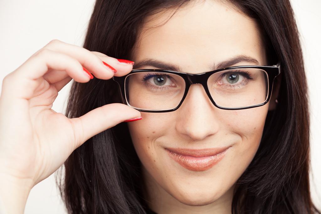 Диоптричните очила са страхотен аксесоар – не се лишавайте от тях!