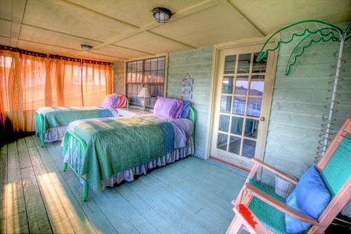 За по-приятно ежедневие, повече комфорт и трудно събуждане – вижте спални комплекти от мебели Венус!