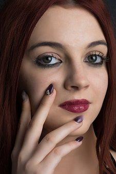 Мечта или реалност е да сте винаги супер гримирани? Защо дамите използват перманентен грим за изразителен поглед?