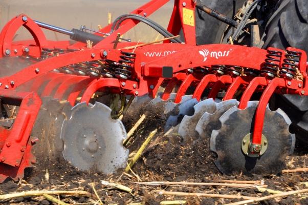 В помощ на земеделските стопани – дискови брани MASS за качествено обработване на почвата