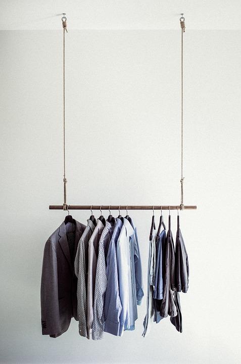 Лесно ли е да изберем нов гардероб за спалня